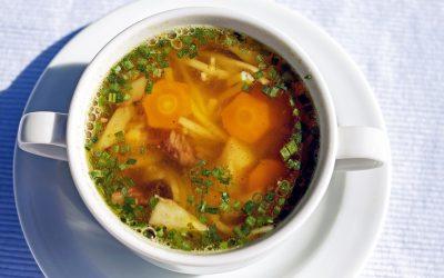 Caldo de pollo: la mejor receta para este invierno!